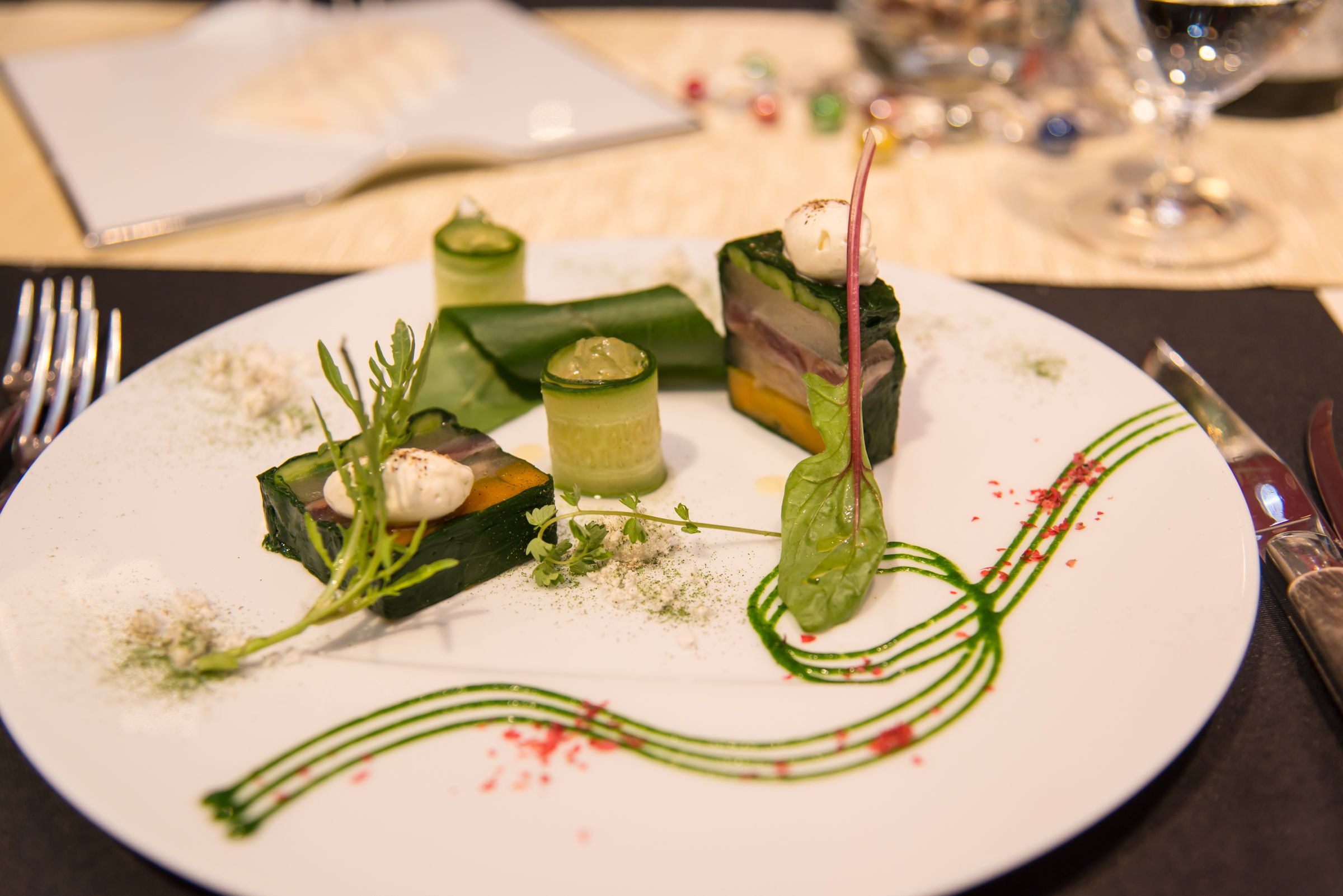 阿部農園のこだわり梨と野菜、秋刀魚のテリーヌ ヴェルベーヌのジュレ